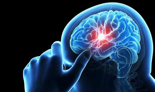Αυτή είναι η βιταμίνη που σώζει από το εγκεφαλικό – Σε ποιες τροφές θα τη βρείτε
