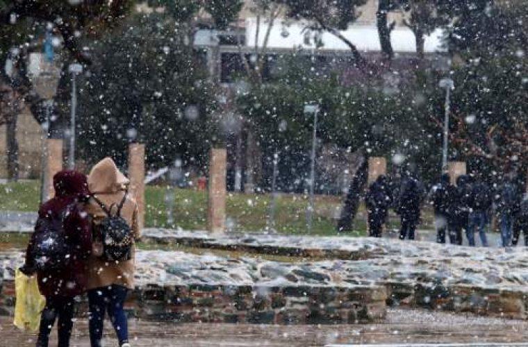 Εκτακτο δελτίο επιδείνωσης καιρού- Καταιγίδες και χιόνια από το βράδυ