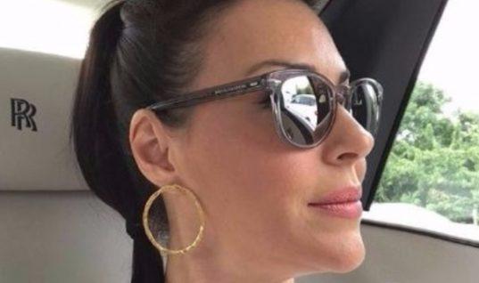 Σίσσυ Φειδά: Αποκαλύπτει πόσο χρονών είναι και μιλά για τη διαφορά ηλικίας με το σύζυγο της
