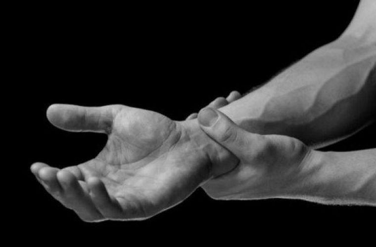 Οι δύο «ύπουλοι» πόνοι που φανερώνουν καρκίνο