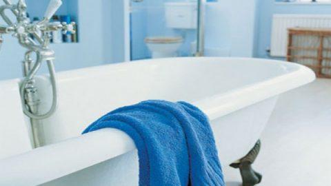 Πώς να μειώσετε την υγρασία στο μπάνιο