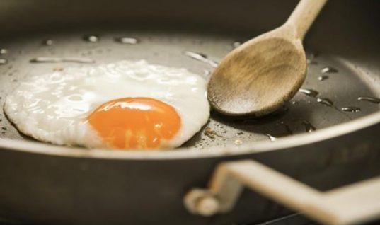 Αυγά: Το λάθος που κάνουν όλοι στο μαγείρεμα!