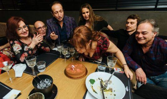 Νικολέττα Βλαβιανού: Γιόρτασε με φίλους τα γενέθλιά της – Δεν θα πιστέψετε πόσο χρονών έγινε