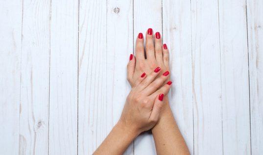 Ποιες διατροφικές ελλείψεις αποκαλύπτουν τα νύχια