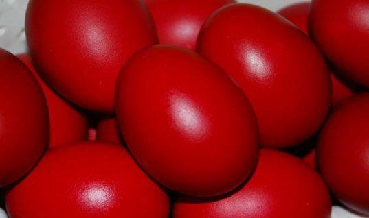 Βαμμένα αυγά: Μέχρι πόσο μένουν εκτός ψυγείου