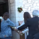 Τρελός καυγάς σε εκκλησία της Μεσσηνίας: Παπαδιά ουρλιάζει, βρίζει & αρπάζει από πιστούς την εικόνα του Αγ.Γεωργίου για να μην γίνει περιφορά