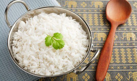 Και όμως, μπορείς να μειώσεις τις θερμίδες του ρυζιού!