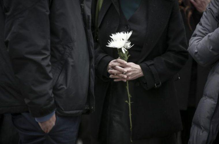 Ασύλληπτη οικογενειακή τραγωδία στο Αγρίνιο:  Κόρη, μητέρα και πατέρας πέθαναν μέσα σε λίγες μέρες