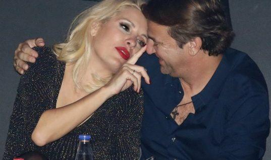 Η Ελένη Μενεγάκη δηλώνει τρελά ερωτευμένη με τον Μάκη Παντζόπουλο