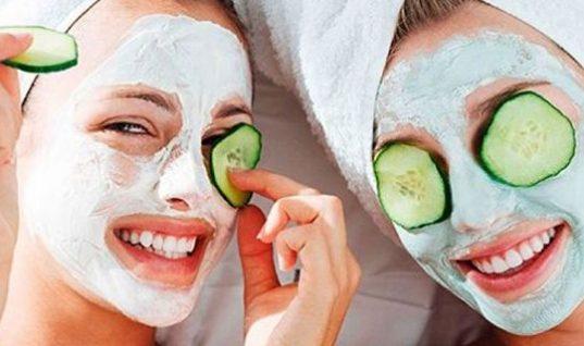 Πες τέλος στη λιπαρότητα με αυτή την μάσκα που θα φτιάξεις μόνη σου στο σπίτι!