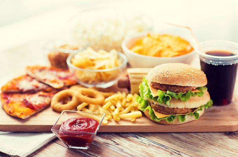 Ποιες τροφές δεν πρέπει να βάζετε στο πιάτο σας αν έχετε υπέρταση