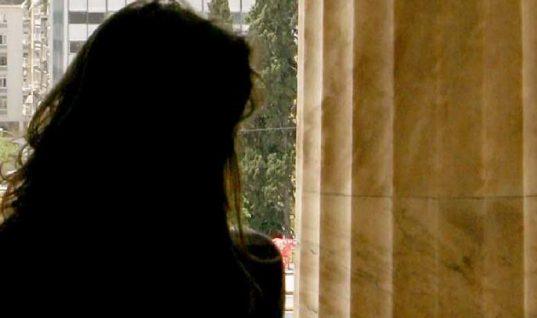 """Δολοφονίες σε… δόσεις – Γυναίκα, νέα και όμορφη είναι το… """"βαθύ λαρύγγι"""" στην υπόθεση των αντικαρκινικών φαρμάκων"""