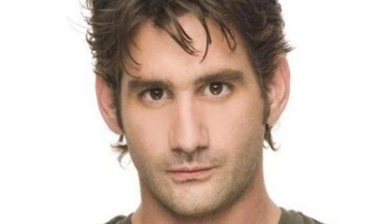 Οδυσσέας Παπασπηλιόπουλος: Δείτε με ποια τραγουδίστρια είναι ζευγάρι ο ηθοποιός