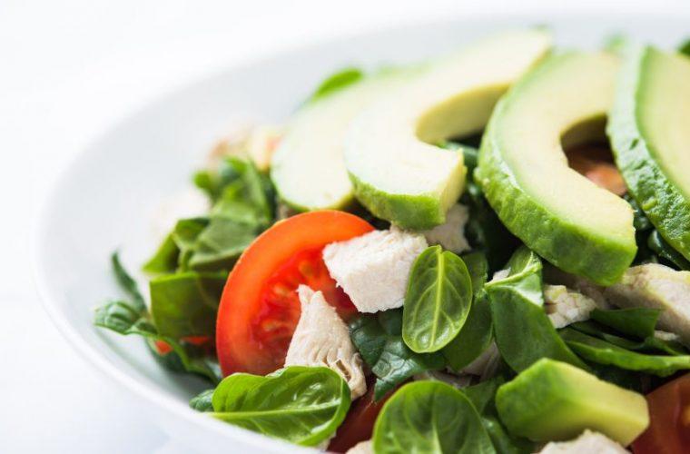 Αυτή η αποτοξινωτική σαλάτα έχει κατακτήσει το Internet -Η πανεύκολη συνταγή!