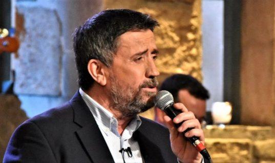 «Δεν μ' αρέσει και δεν τον συγχωρώ»: Ο τραγουδιστής που δεν θα καλούσε ποτέ στο «Στην Υγειά μας» ο Σπύρος Παπαδόπουλος