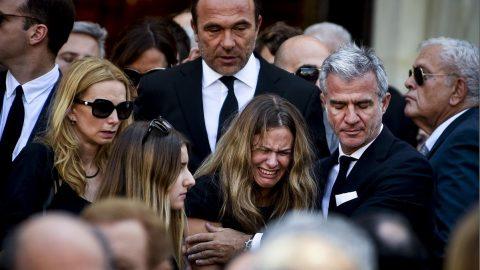 «Λύγισε» η κόρη του Πέτρου Κόκκαλη στο τελευταίο αντίο του θείου της, Σωκράτη Κόκκαλη junior