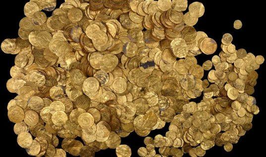 Αχαΐα: Αγρότης, πριν πεθάνει, άφησε στην κόρη του δύο βαρέλια με χρυσές λίρες!
