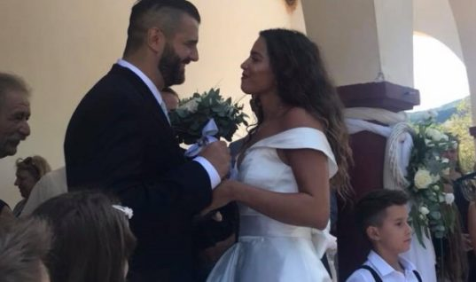 Κατερίνα Στικούδη και Βαγγέλης Σερίφης παντρεύτηκαν! Η σεμνή τελετή και το πολύ λιτό νυφικό(εικόνες)