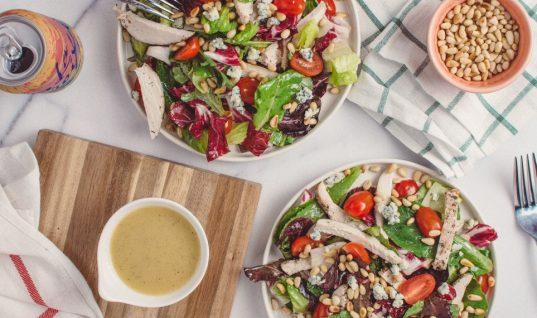 Τα καλύτερα dressing που μπορείς να προσθέσεις στη σαλάτα σου για να την κάνεις super υγιεινή