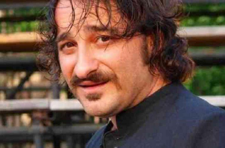 Βασίλης Χαραλαμπόπουλος: Βρήκε τον σκύλο του μετά από 2,5 χρόνια – Τα δάκρυα της συζύγου του (Vid)