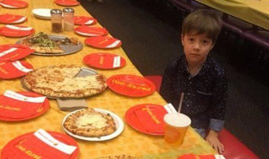 «Κύμα» συμπαράστασης για 6χρονο -Κάλεσε 32 συμμαθητές στα γενέθλιά του και δεν πήγε κανείς