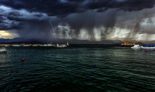 Χαλάει ο καιρός από Δευτέρα! Έρχονται βροχές, καταιγίδες, χαλαζοπτώσεις και ισχυροί άνεμοι – Που θα πέσουν τα πρώτα χιόνια