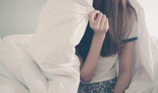 Πέντε πράγματα που σας κουράζουν, χωρίς να το καταλαβαίνετε, όταν βρίσκεστε σπίτι