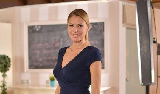 e59ea687215 Τζένη Μπαλατσινού: Βραδινή έξοδος με γοητευτικό επιχειρηματία!