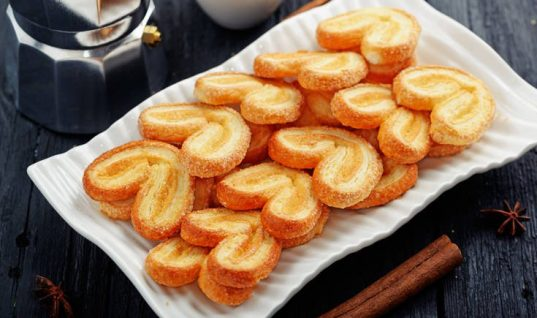 Πανεύκολη συνταγή για σπιτικά μπισκότα παλμιέ!
