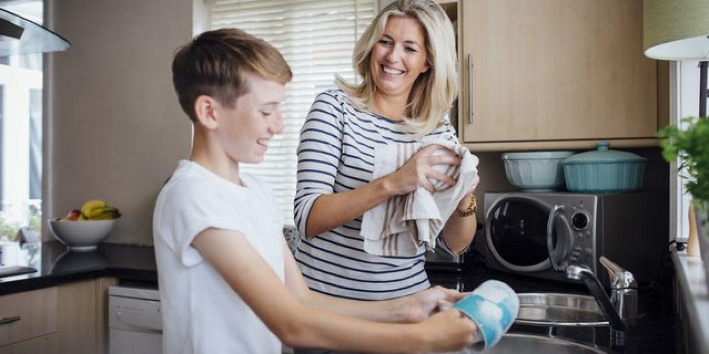 Πετσέτες κουζίνας: Πόσο επικίνδυνες είναι για την υγεία σου και πόσο συχνά πρέπει να τις αλλάζεις