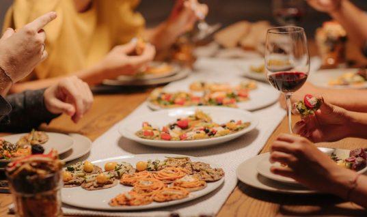 Κοτόπουλο, κρέας, μακαρόνια, σούπα -Πώς θα ζεστάνεις σωστά κάθε φαγητό που περίσσεψε