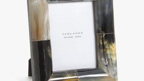 Αυτές οι κορνίζες από τα Zara έχουν προκαλέσει σάλο -Δείτε γιατί (εικόνες)