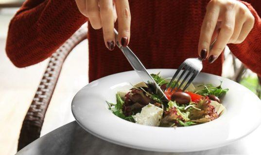 Ο τρομακτικός λόγος που δεν πρέπει να τρως καθημερινά το ίδιο φαγητό -Οι ειδικοί εξηγούν