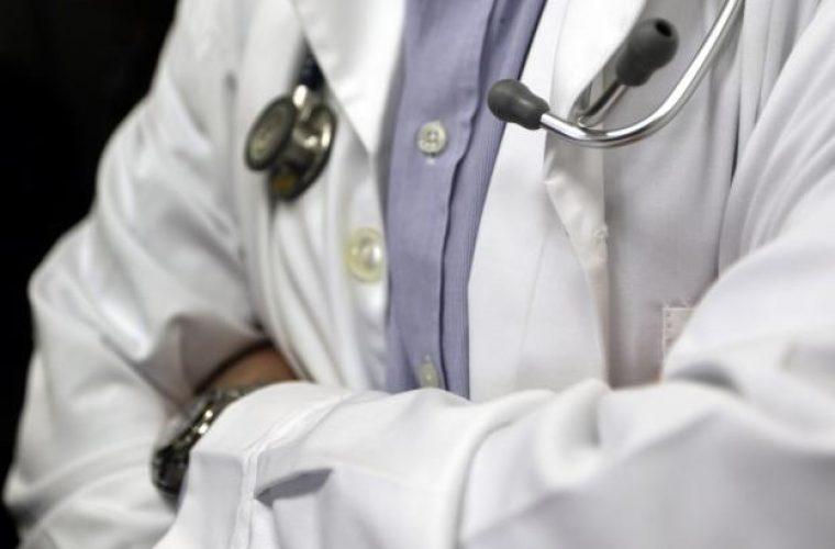 Ντροπιαστική ιστορία με φακελάκι – Για κάθε κιλό του μωρού ο γιατρός ζήταγε 1.000€