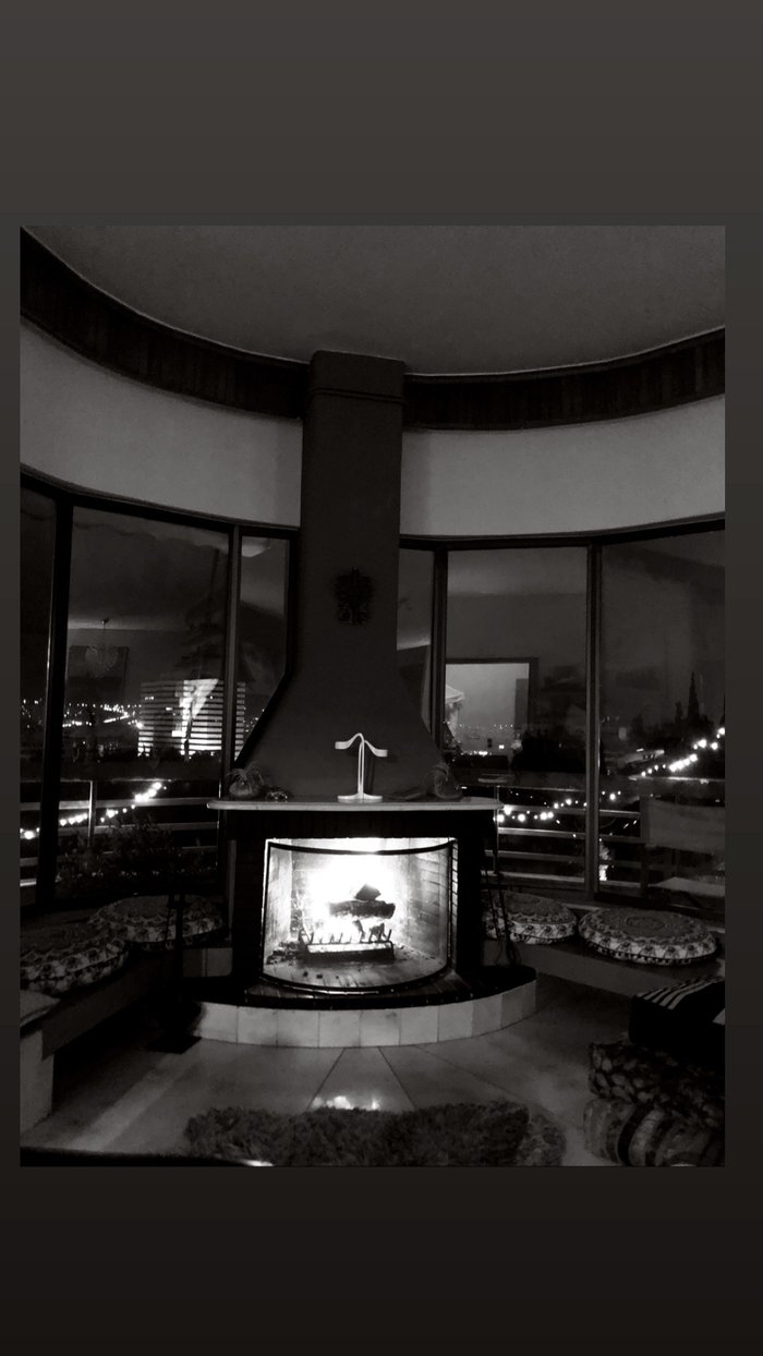 Ρούλα Ρέβη – Αποστόλης Τότσικας: Δες φωτογραφίες από το εσωτερικό του σπιτιού τους στον Λυκαβηττό!