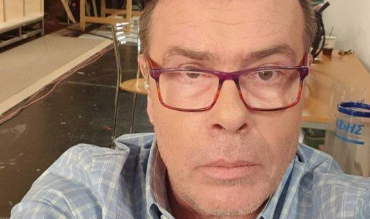 ΔημήτρηςΠαπανώτας: «Σφάζει» Ανδρέα Μικρούτσικο, Χάρη Βαρθακούρη και παραγωγή του «Big Brother»