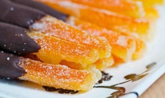 Ποιός έχει όρεξη για φλούδες πορτοκάλι με σοκολάτα;
