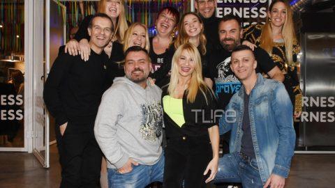 Φαίη Σκορδά: Mε casual look γιόρτασε τα γενέθλιά της με τους φίλους της! Φωτογραφίες από το πάρτι της! (εικόνες)