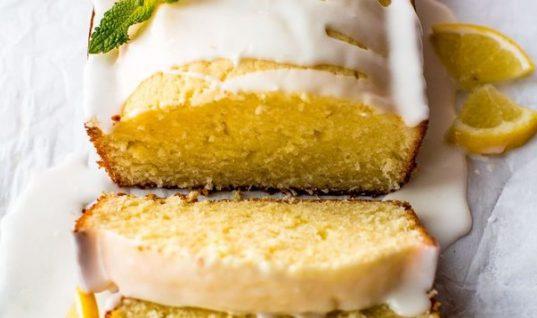 Αφράτο κέικ λεμόνι χωρίς βούτυρο με λαχταριστό γλάσο!