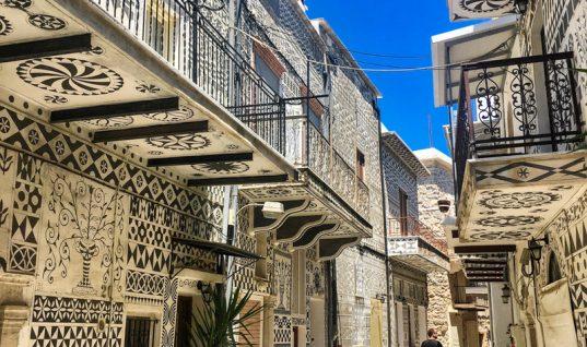 Το μεσαιωνικό χωριό της Ελλάδας που μοιάζει με περίτεχνο κέντημα