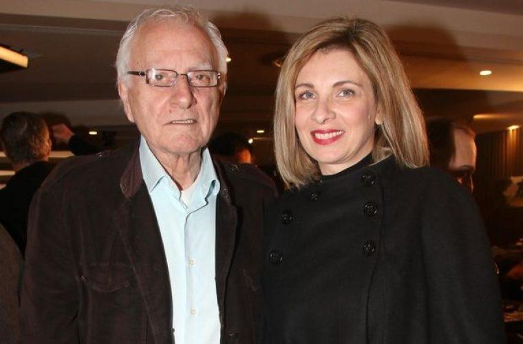 Η σύζυγος του Κώστα Χαρδαβέλα είναι ίδια όσα χρόνια κι αν περάσουν!