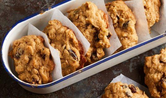 Μπισκότα βρώμης με μέλι χωρίς αλεύρι, ζάχαρη και βούτυρο!