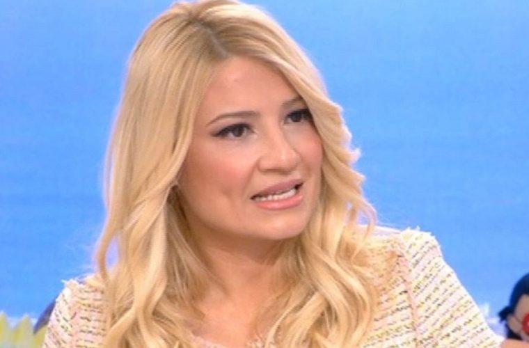 Ερωτευμένη ξανά η Φαίη Σκορδά: Αυτός είναι ο νέος της σύντροφος μετά το διαζύγιο με τον Λιάγκα (εικόνα)