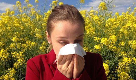 Αλλεργίες: Ποια είναι τα συμπτώματα που πρέπει να σε ανησυχήσουν