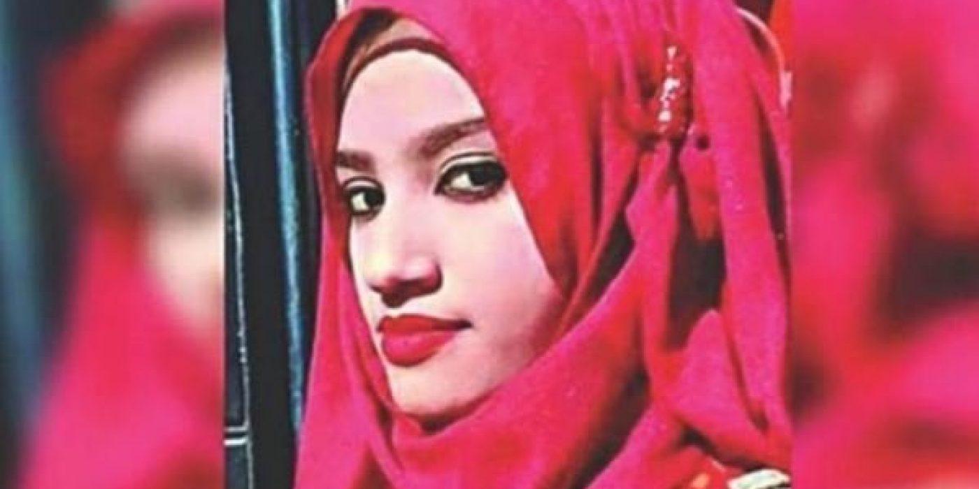Κατήγγειλε ότι την παρενόχλησε σεξουαλικά ο διευθυντής του σχολείου της και την έκαψαν ζωντανή