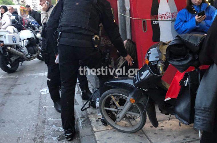 Θεσσαλονίκη: Πέταξε τη σύζυγό του από το αυτοκίνητο μπροστά στα παιδιά τους