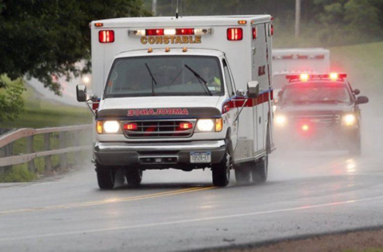 Ασθενής με καρδιοπάθεια επανήλθε όταν το ασθενοφόρο που τον μετέφερε στο νοσοκομείο έπεσε σε λακκούβα (εικόνες)