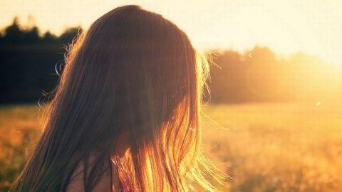Bιταμίνη D: Τα 4 συμπτώματα που σου λένε ότι έχεις έλλειψη
