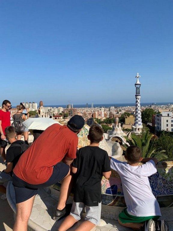 Φωτογραφίες από τις διακοπές της οικογένειας Τσίπρα στη Βαρκελώνη