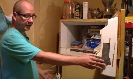 Στον καταψύκτη της μητέρα του υπήρχε επί 37 χρόνια ένα περίεργο κουτί – Όταν το άνοιξε, μετά το θάνατό της, έπαθε το σοκ της ζωής του